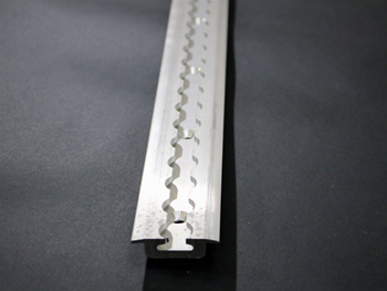 FE748-01-PD4 HEAVY DUTY L TRACK W/FLANGE AND MTG HOLES